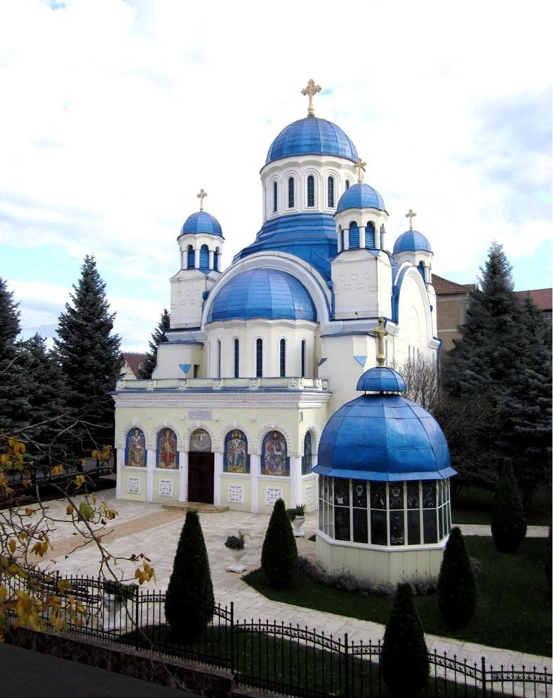09-biserica-albastra
